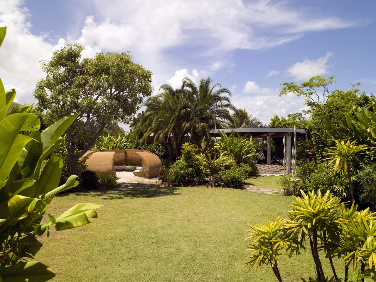 https://www.hotelsbyday.com/_data/default-hotel_image/4/21059/stndmia-gardens-lr-2-ken-hayden.jpg