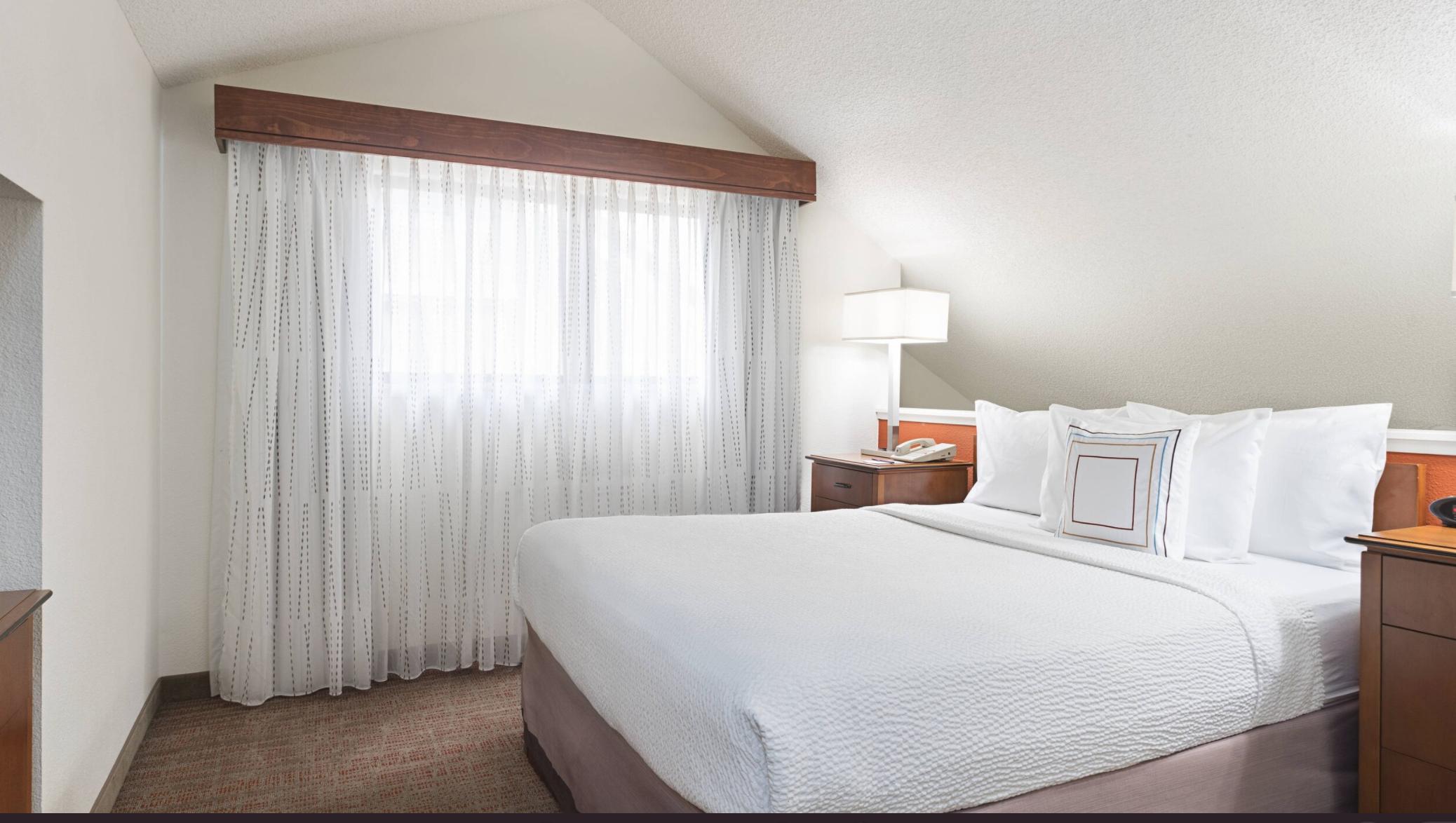 https://www.hotelsbyday.com/_data/default-hotel_image/4/21078/screenshot-2020-08-19-at-6-49-02-pm.png