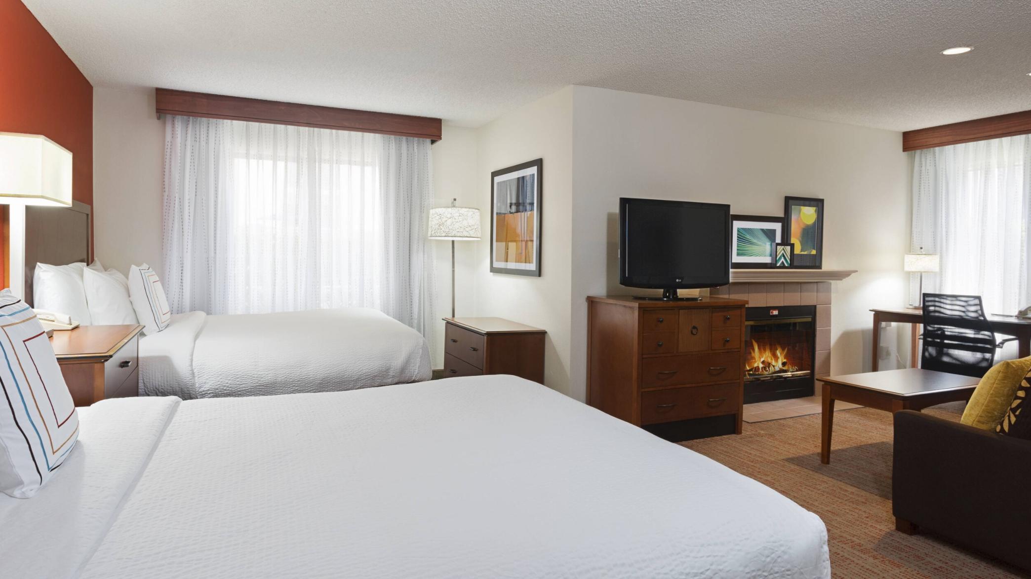 https://www.hotelsbyday.com/_data/default-hotel_image/4/21079/screenshot-2020-08-19-at-6-49-18-pm.png