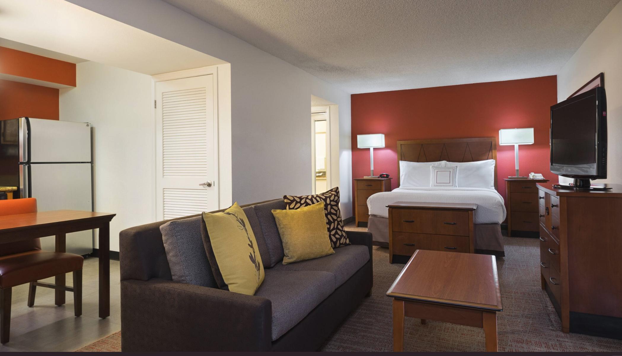 https://www.hotelsbyday.com/_data/default-hotel_image/4/21084/screenshot-2020-08-19-at-6-49-33-pm.png