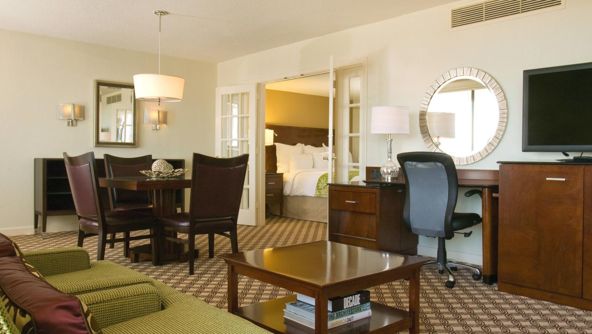 https://www.hotelsbyday.com/_data/default-hotel_image/4/21208/screenshot-2020-08-20-at-7-40-15-pm.png