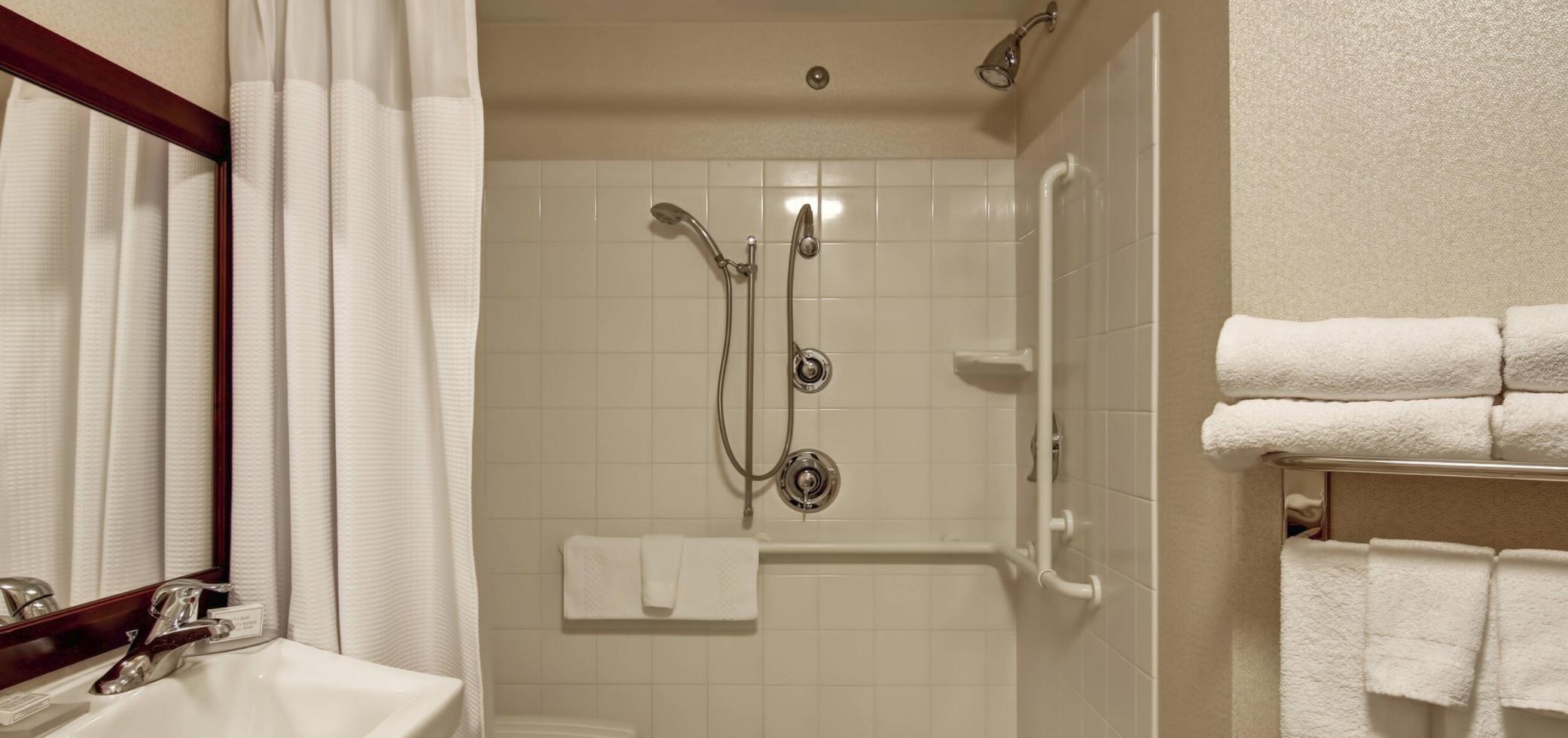 https://www.hotelsbyday.com/_data/default-hotel_image/4/21261/screenshot-2020-08-21-at-11-44-53-am.png