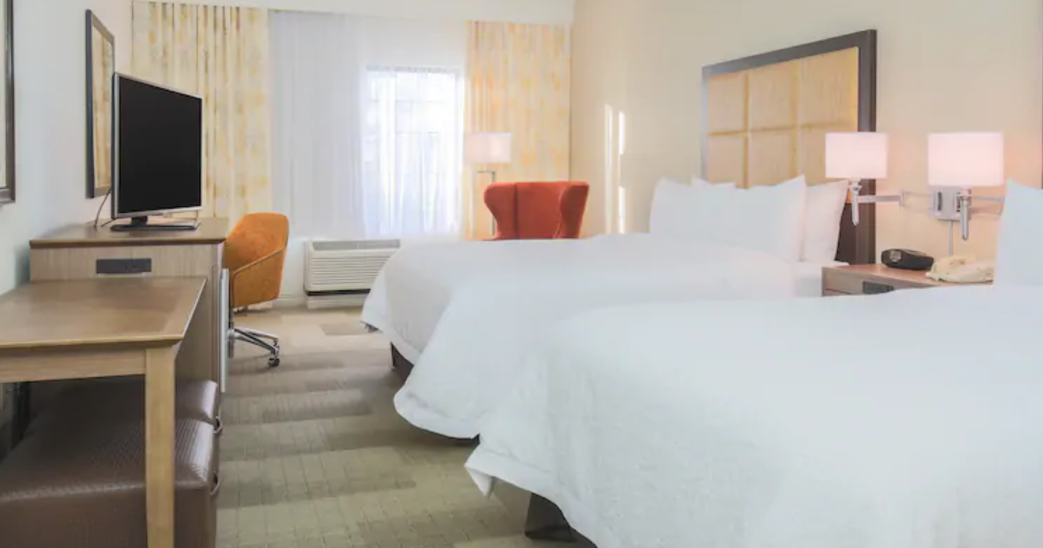 https://www.hotelsbyday.com/_data/default-hotel_image/4/21284/screenshot-2020-08-21-at-12-10-55-pm.png