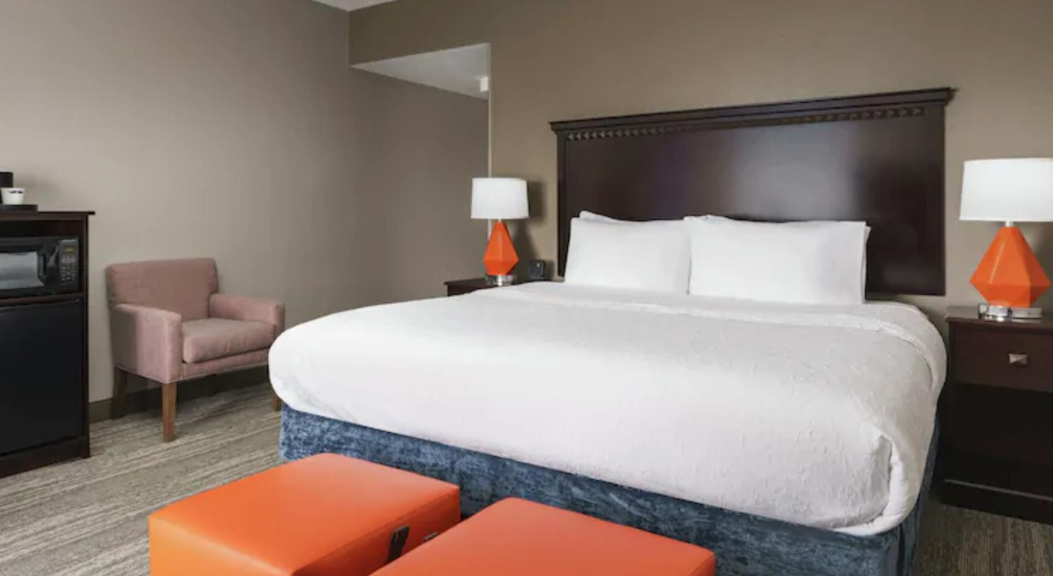 https://www.hotelsbyday.com/_data/default-hotel_image/4/21290/screenshot-2020-08-21-at-12-16-31-pm.png