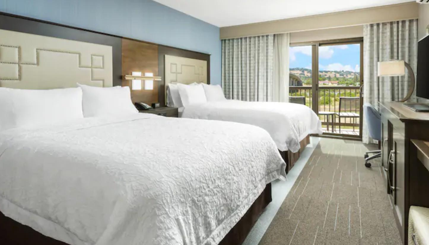 https://www.hotelsbyday.com/_data/default-hotel_image/4/21309/screenshot-2020-08-21-at-12-37-01-pm.png