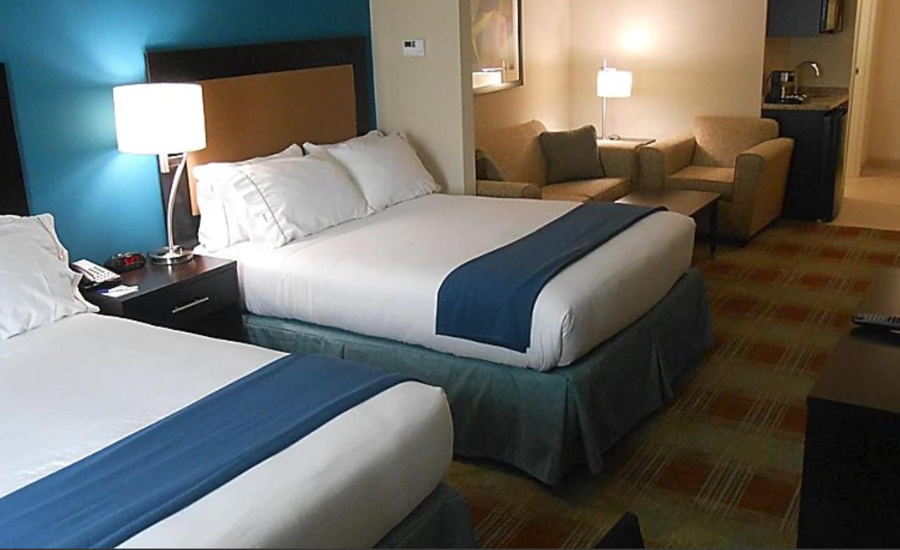 https://www.hotelsbyday.com/_data/default-hotel_image/4/21334/screenshot-2020-08-21-at-6-37-52-pm.png