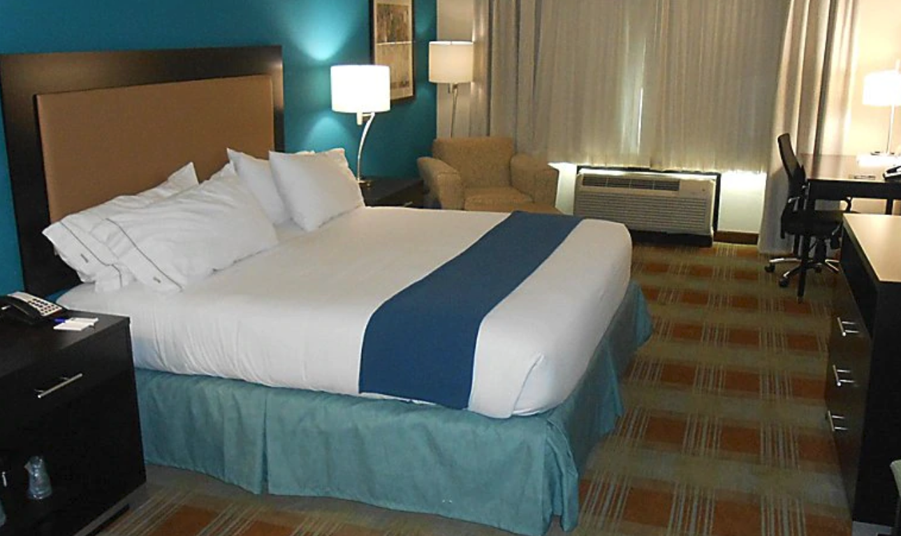 https://www.hotelsbyday.com/_data/default-hotel_image/4/21336/screenshot-2020-08-21-at-6-38-19-pm.png
