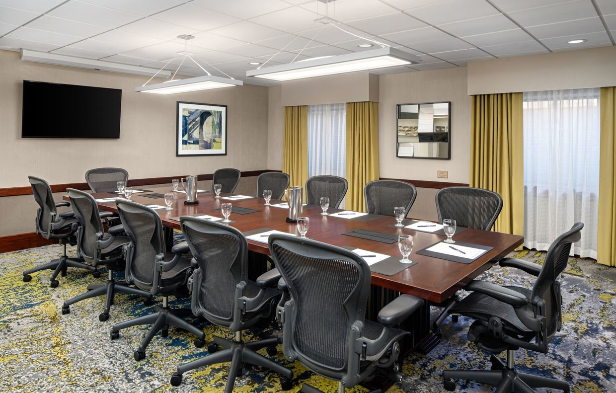 https://www.hotelsbyday.com/_data/default-hotel_image/4/21492/fairview-boardroom-dt-suites-charlotte-southpark.jpg