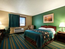 Hotel Sky-Palace Inn & Suites New Richmond image