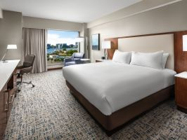 Hotel Hilton Boston Logan Airport image