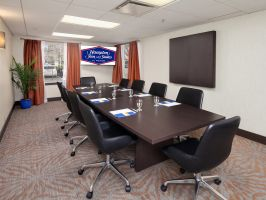 Hotel Hampton Inn & Suites Seattle-North/Lynnwood image