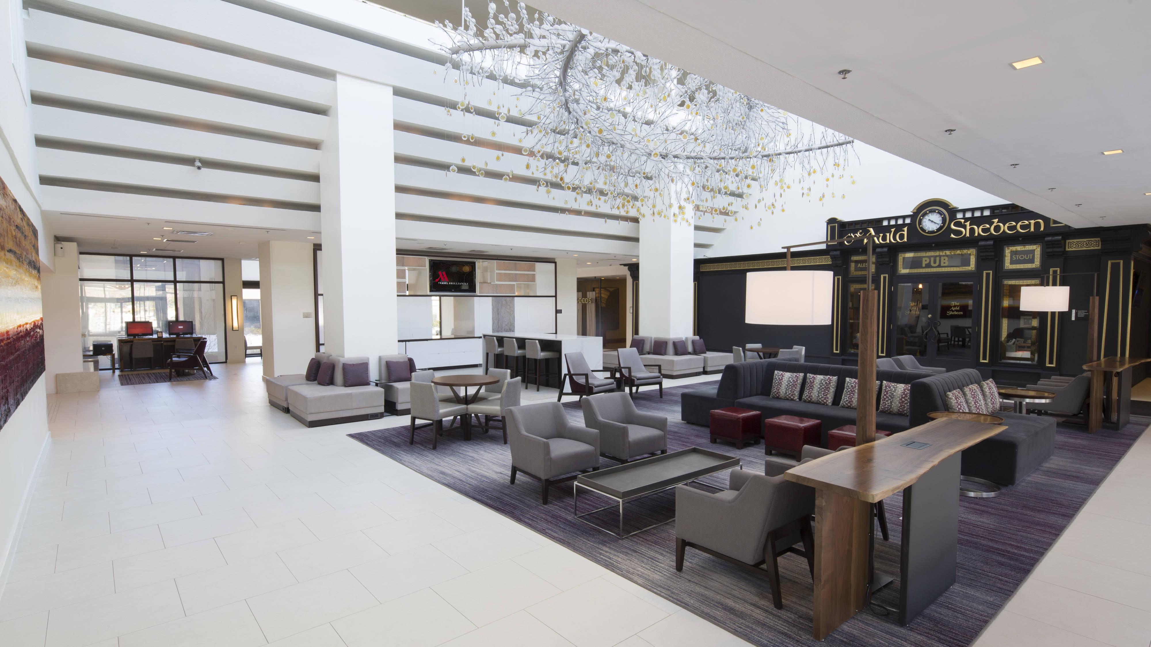 https://www.hotelsbyday.com/_data/default-hotel_image/4/21738/ewrho-lobby-0063-hor-wide.jpg