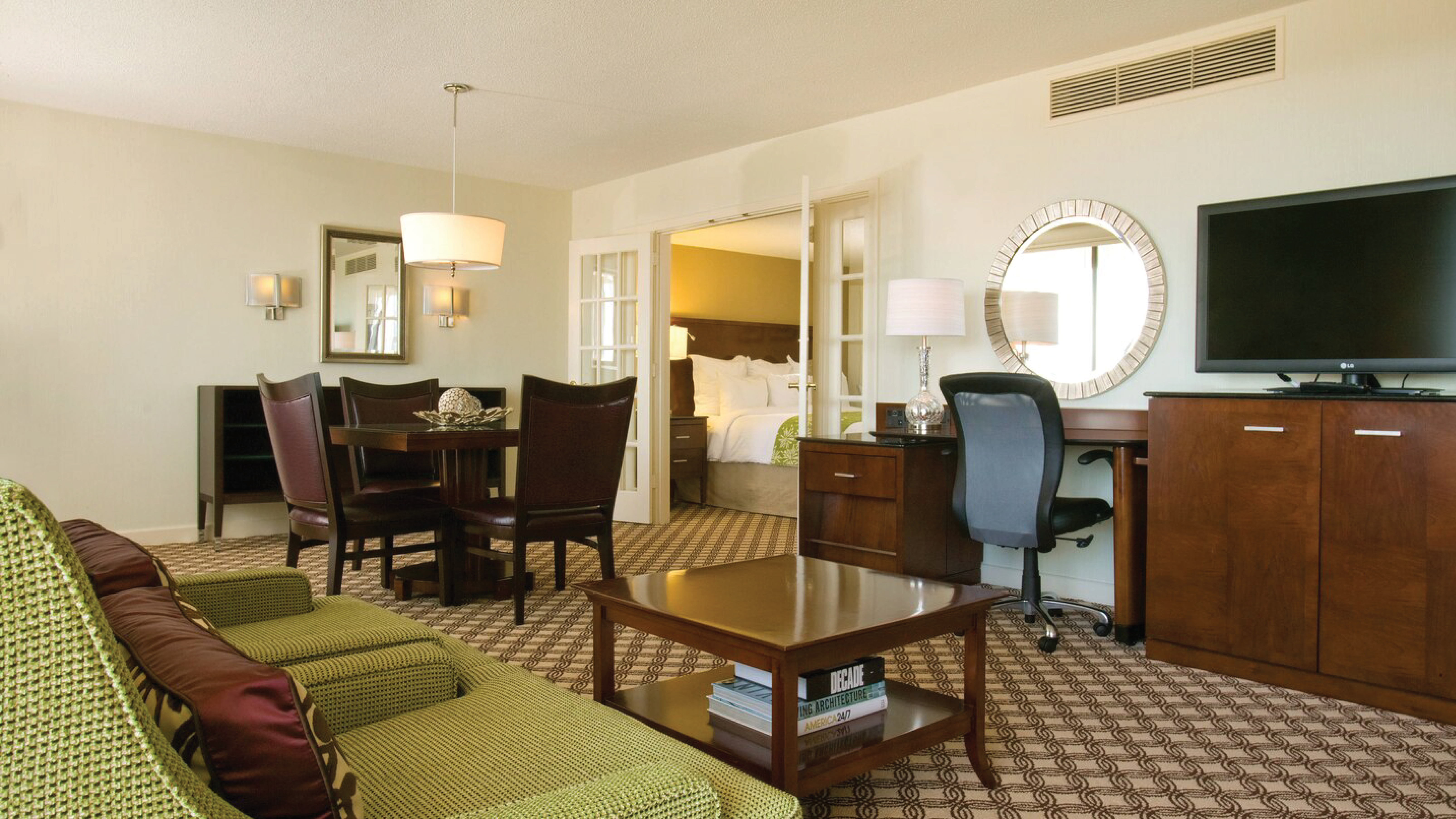 https://www.hotelsbyday.com/_data/default-hotel_image/4/21743/living-area-2.png