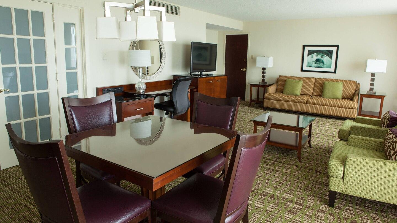 https://www.hotelsbyday.com/_data/default-hotel_image/4/21747/ewrho-suite-0059-hor-wide.jpg