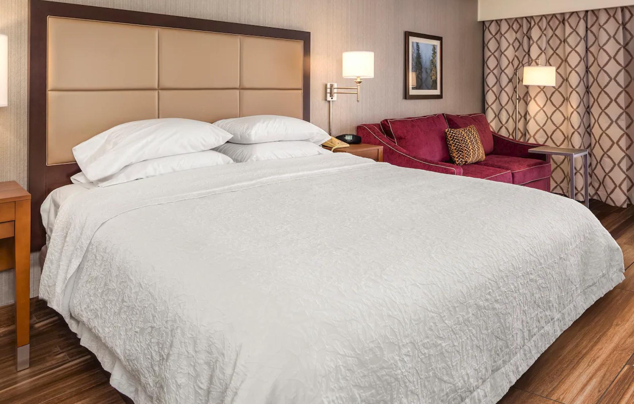 https://www.hotelsbyday.com/_data/default-hotel_image/4/21774/screenshot-2020-09-10-at-11-18-05-pm.png