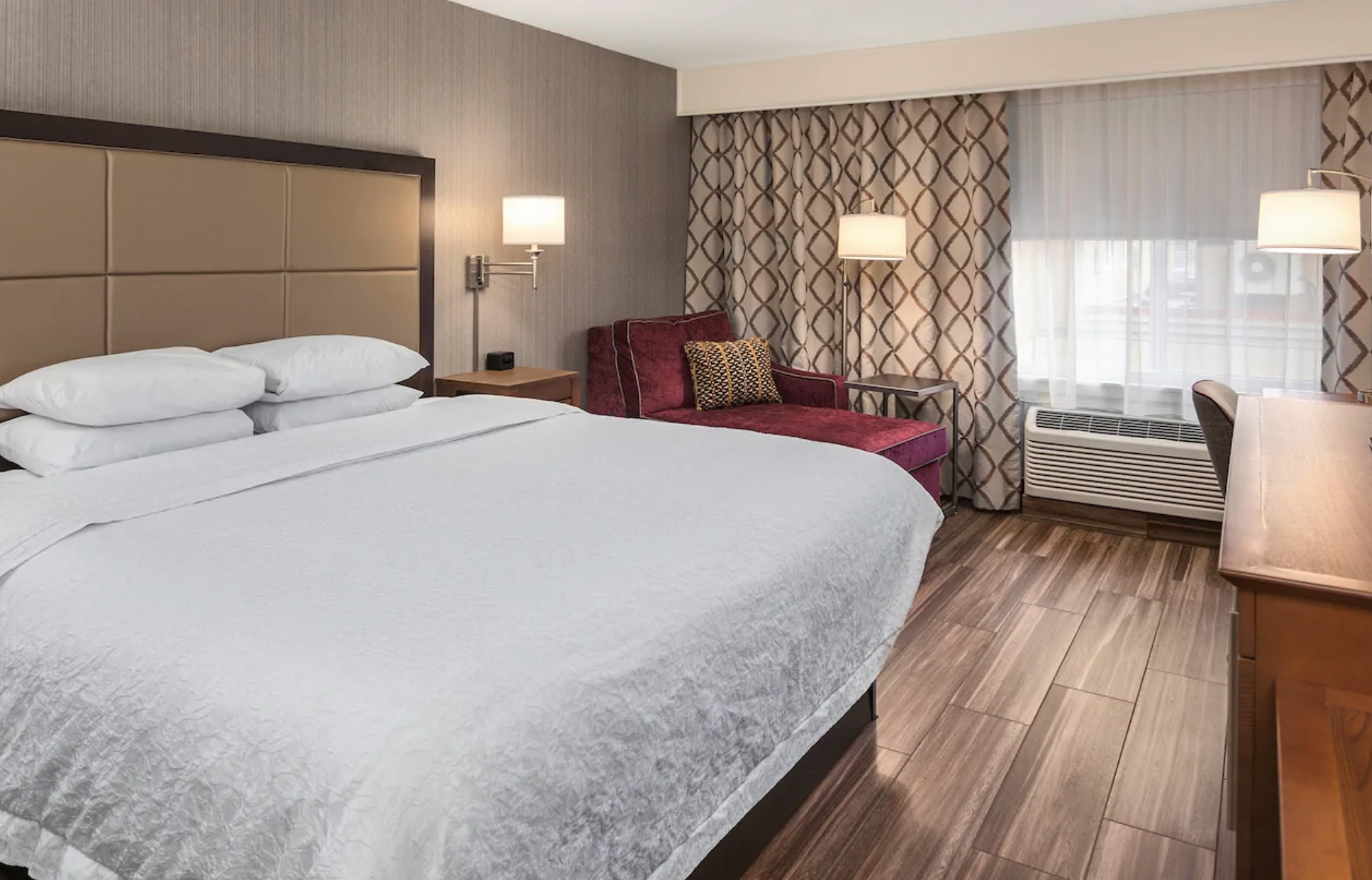 https://www.hotelsbyday.com/_data/default-hotel_image/4/21776/screenshot-2020-09-10-at-11-17-27-pm.png