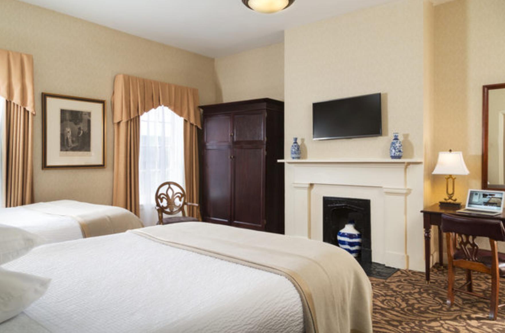 https://www.hotelsbyday.com/_data/default-hotel_image/4/21822/screenshot-2020-09-11-at-12-11-43-am.png