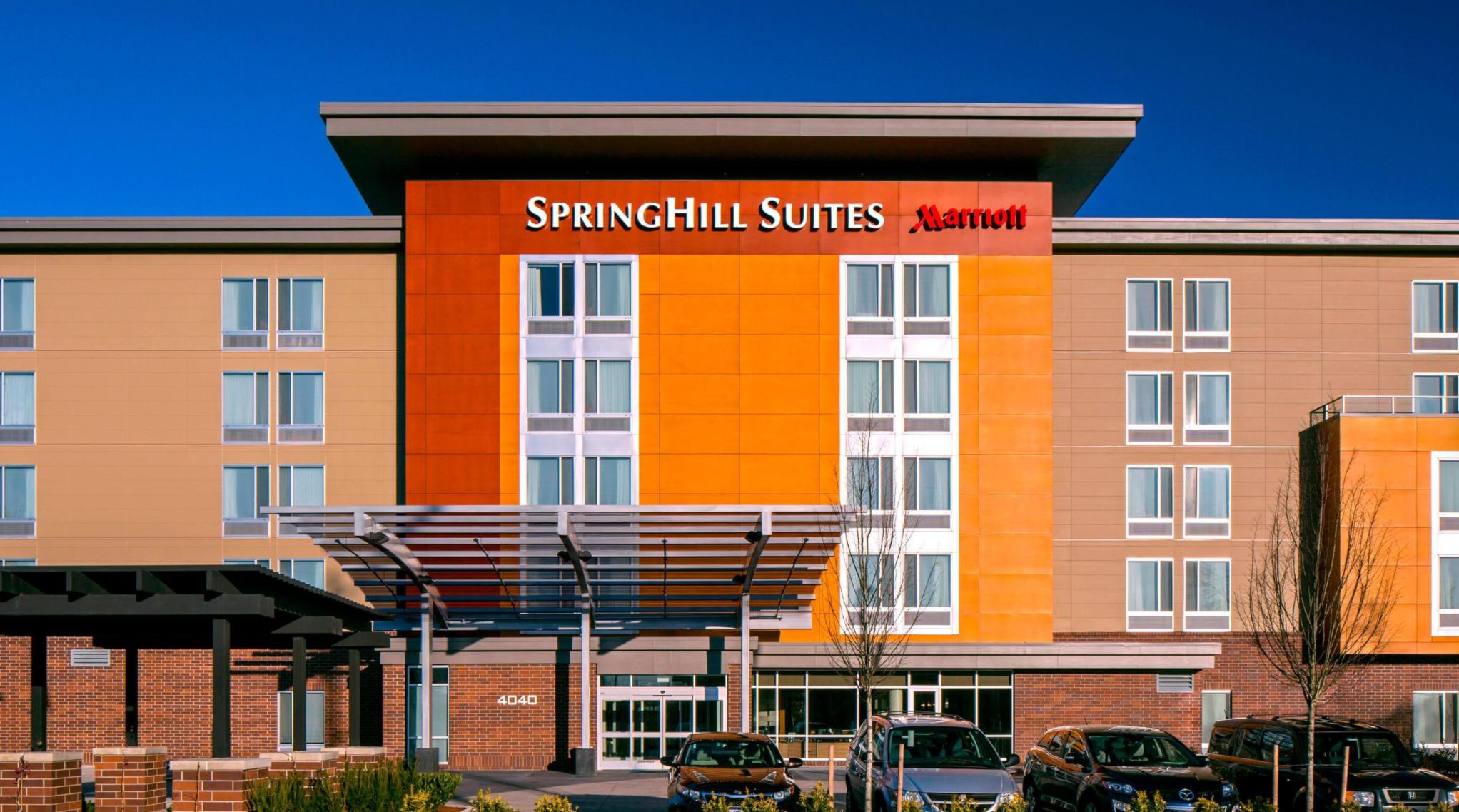 https://www.hotelsbyday.com/_data/default-hotel_image/4/22000/screenshot-2020-09-20-at-9-21-05-pm.png