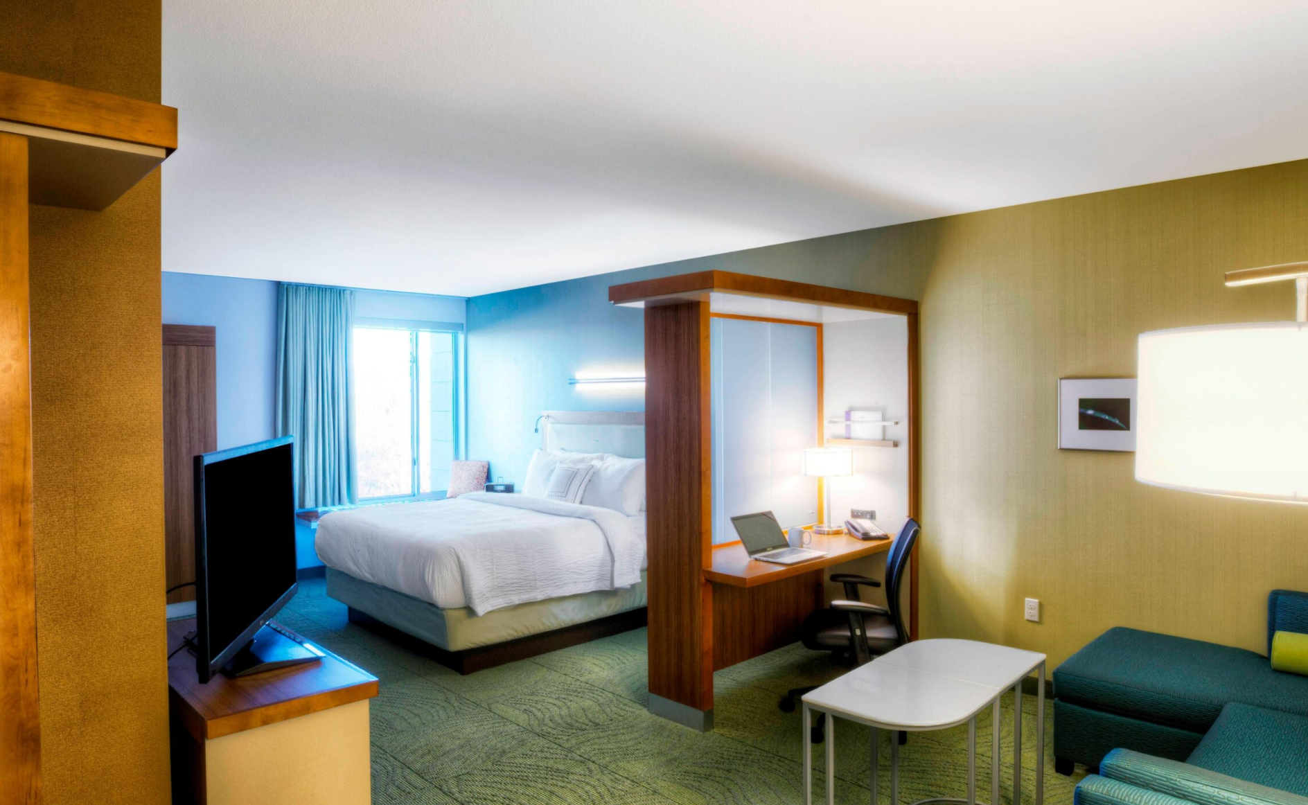 https://www.hotelsbyday.com/_data/default-hotel_image/4/22001/screenshot-2020-09-20-at-9-21-28-pm.png