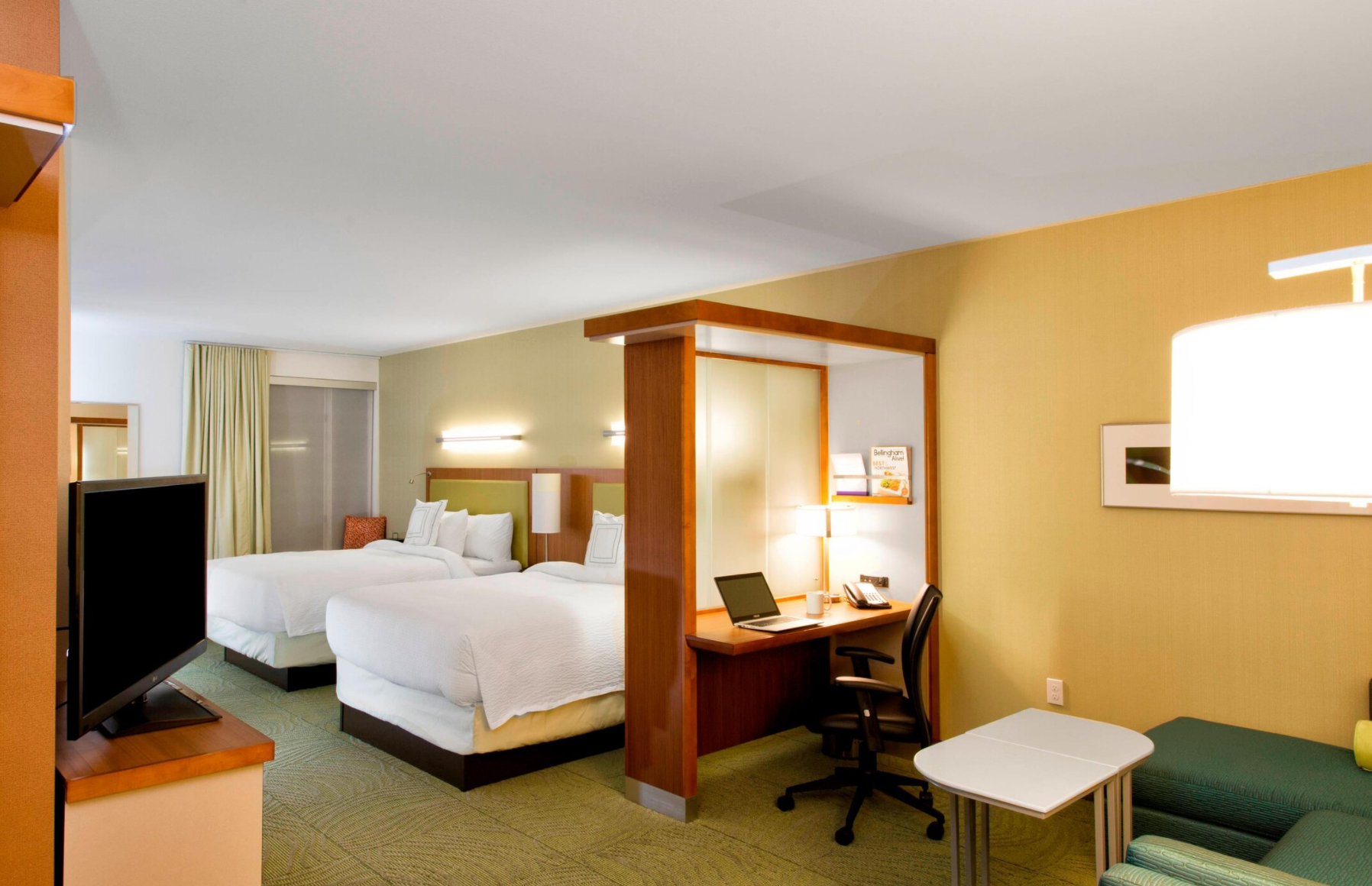 https://www.hotelsbyday.com/_data/default-hotel_image/4/22002/screenshot-2020-09-20-at-9-21-35-pm.png