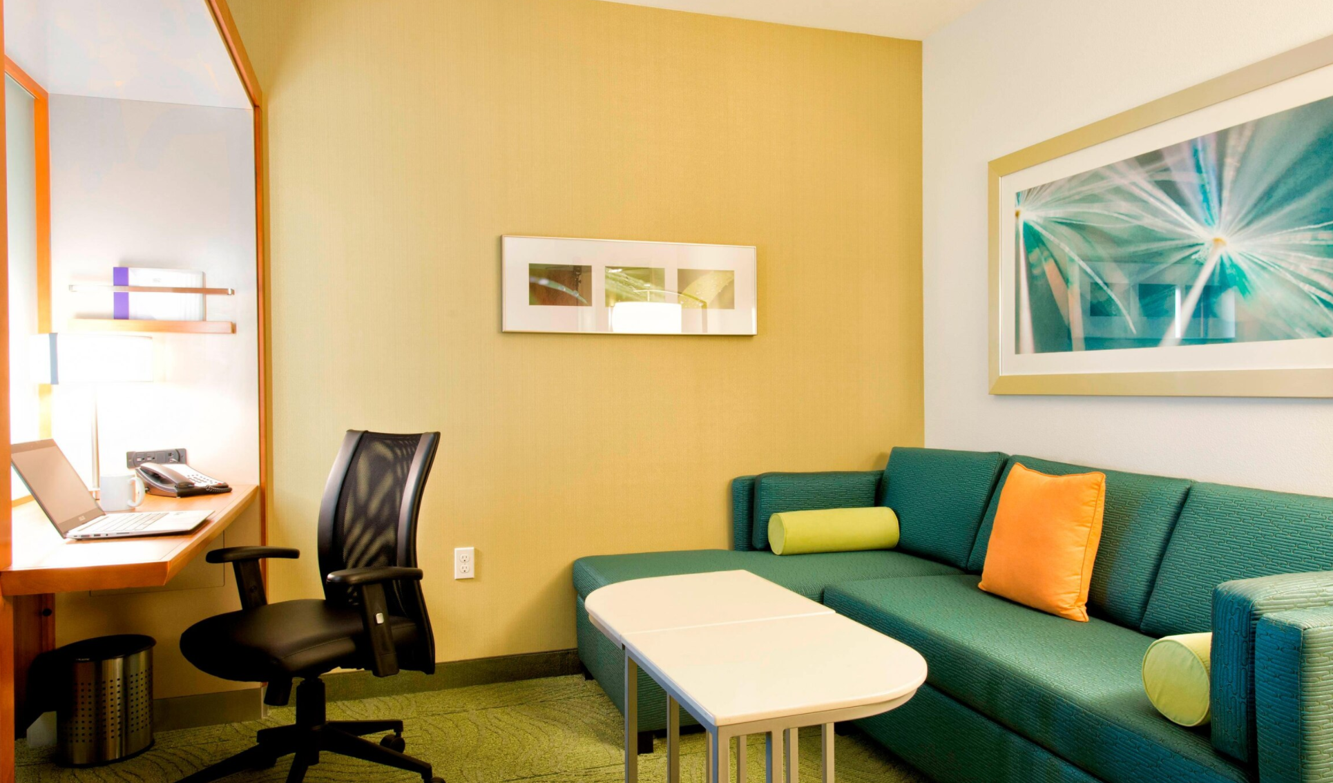 https://www.hotelsbyday.com/_data/default-hotel_image/4/22003/screenshot-2020-09-20-at-9-21-47-pm.png