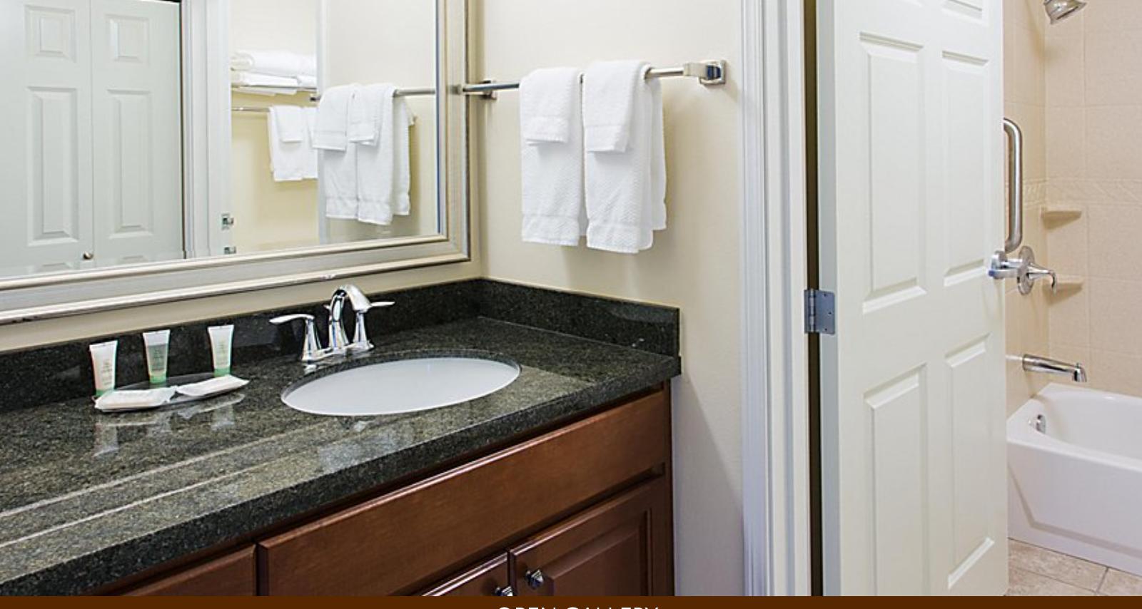 https://www.hotelsbyday.com/_data/default-hotel_image/4/22012/screenshot-2020-09-20-at-9-33-13-pm.png