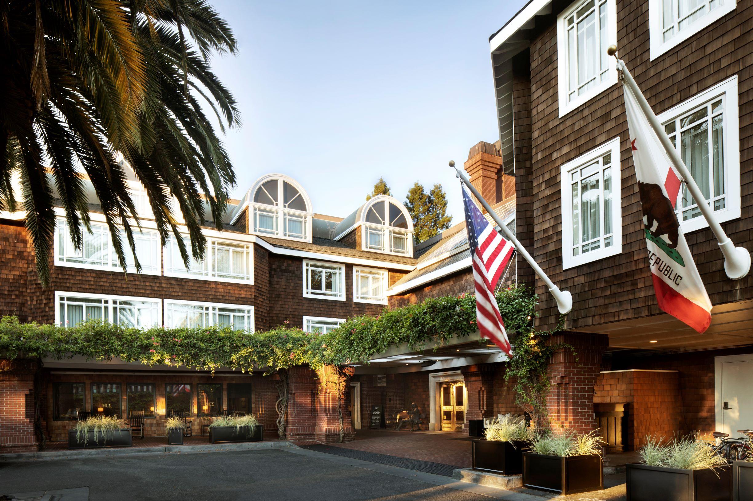 https://www.hotelsbyday.com/_data/default-hotel_image/4/22171/sph-25-hr.jpg