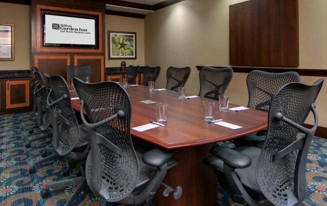 https://www.hotelsbyday.com/_data/default-hotel_image/4/22722/boardroom.jpg