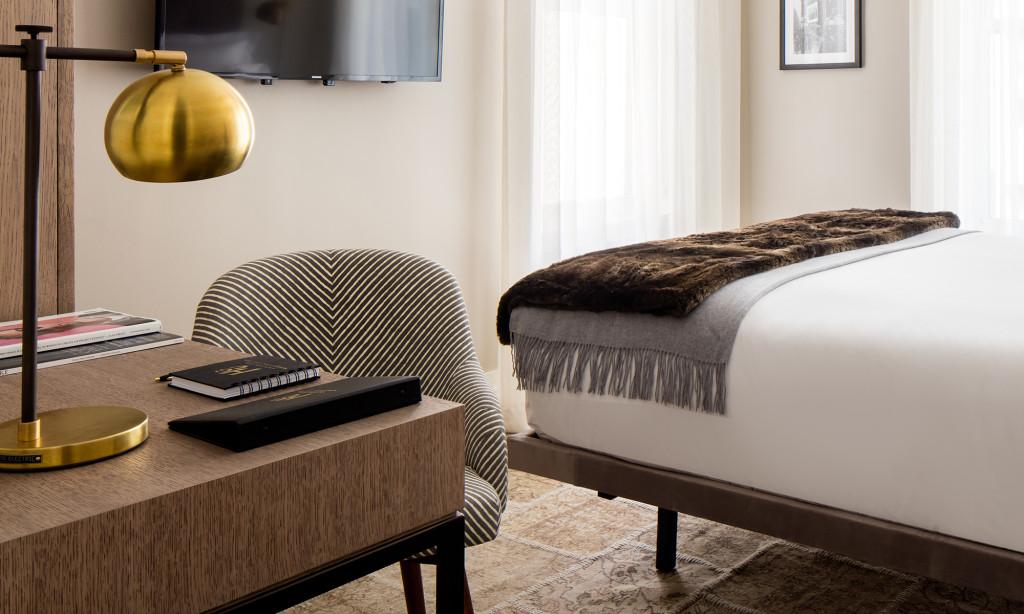 https://www.hotelsbyday.com/_data/default-hotel_image/4/23384/hgu-newyork-inroom-queendeluxe.jpg