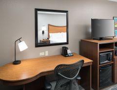 Hotel Hampton Inn & Suites, Skokie image