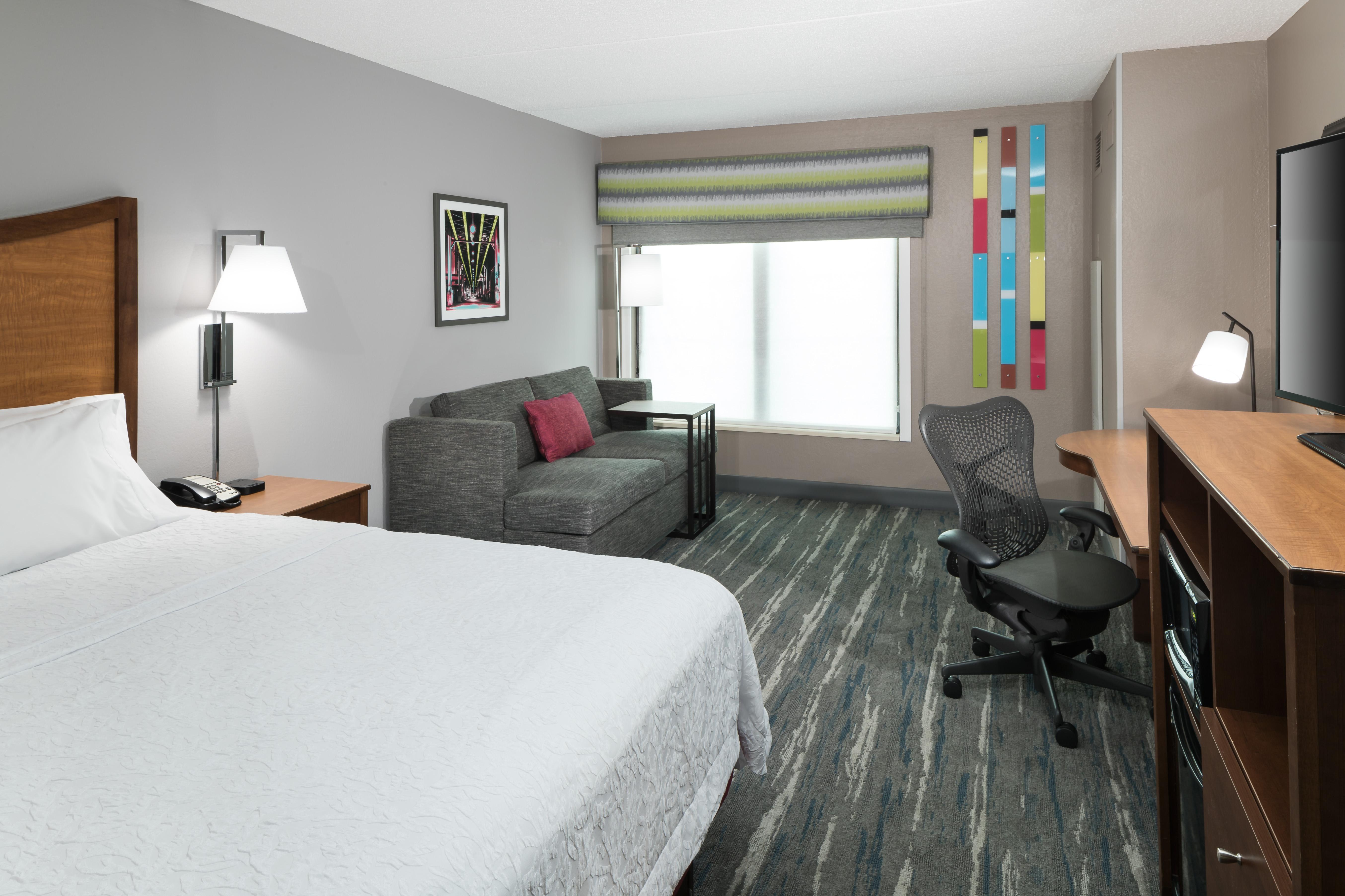 https://www.hotelsbyday.com/_data/default-hotel_image/4/23595/ahr-4274-chiskhx-320-kxty.jpg