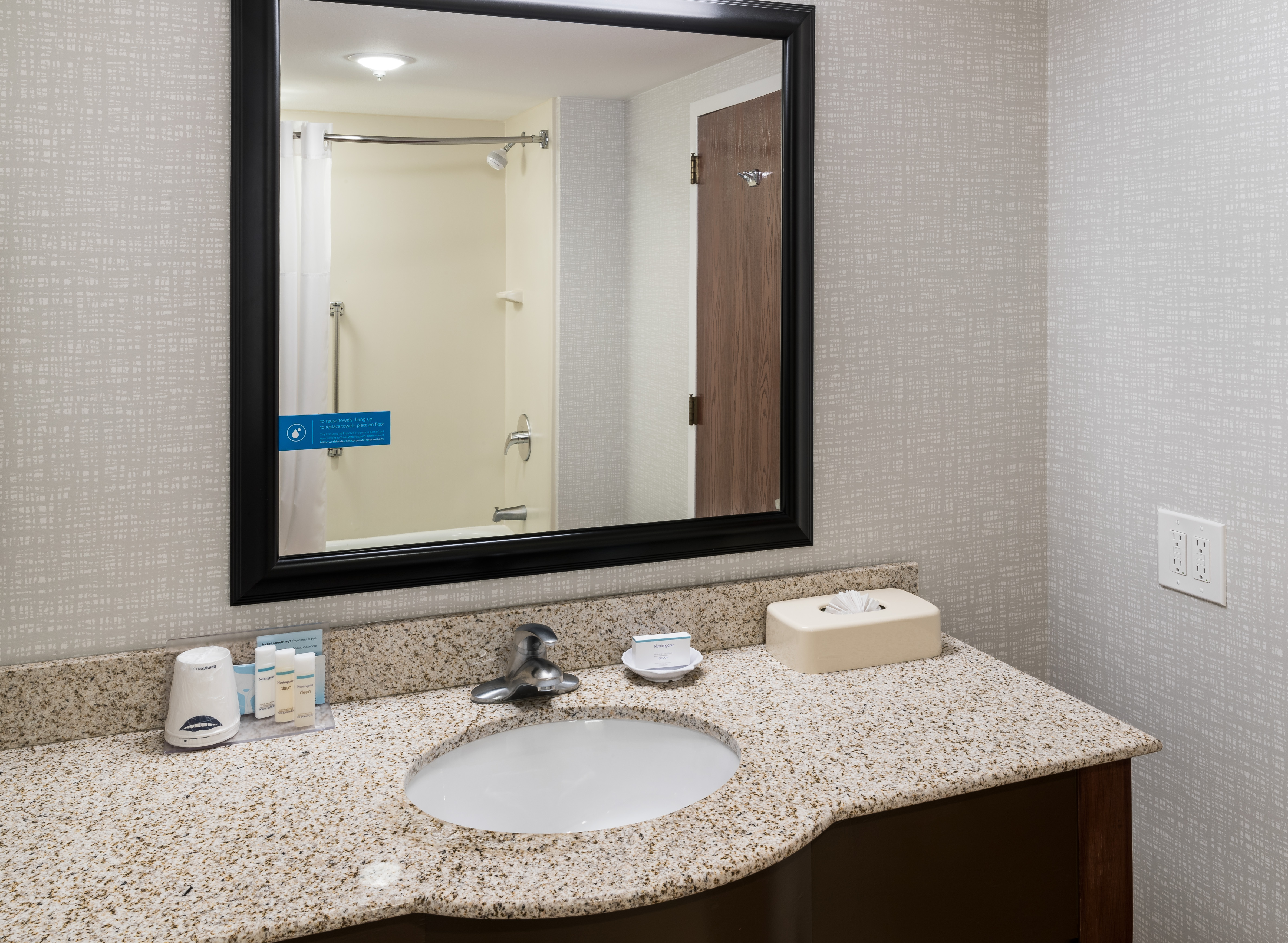 https://www.hotelsbyday.com/_data/default-hotel_image/4/23600/ahr-4274-chiskhx-049-kxwe.jpg