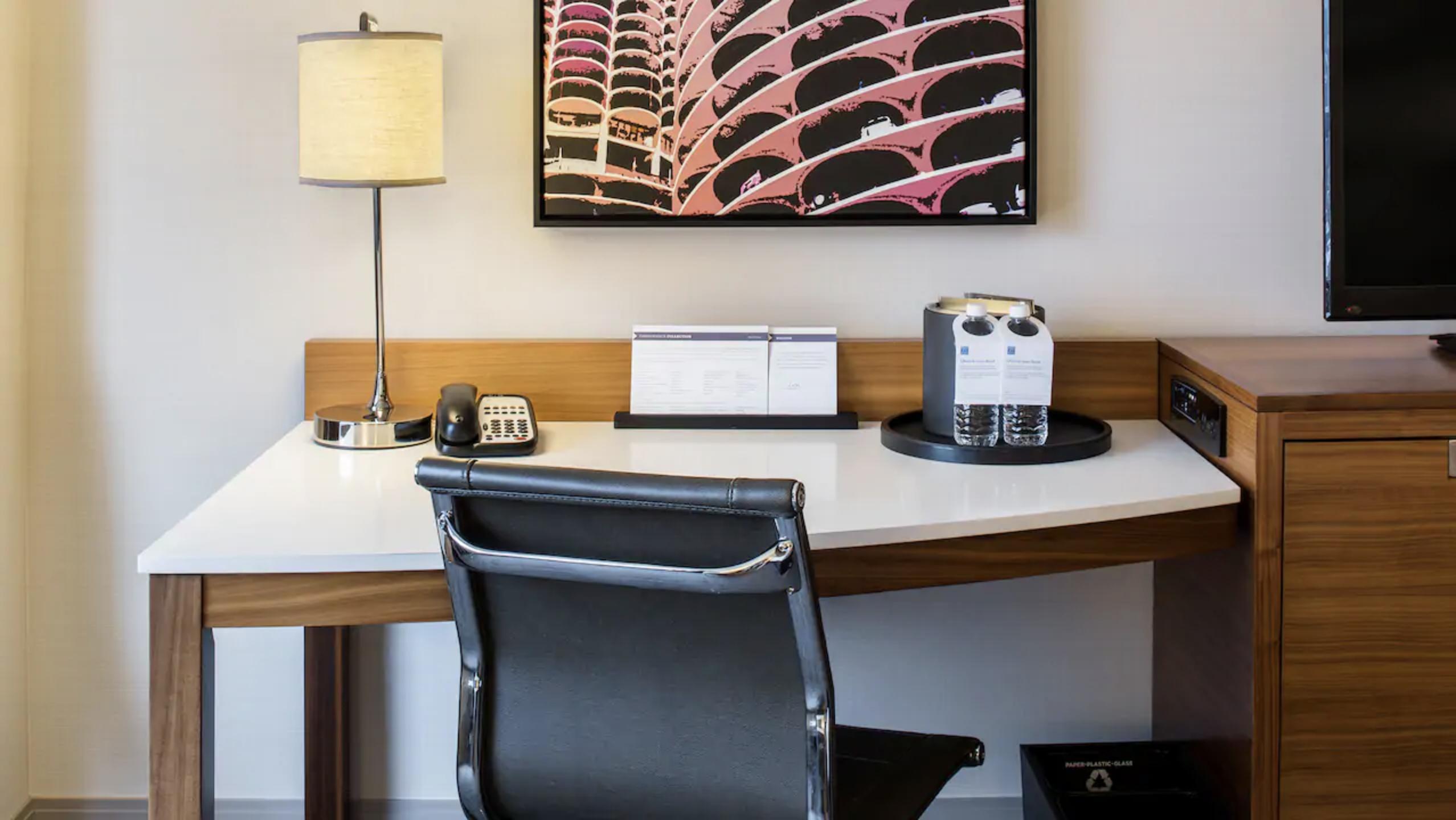 https://www.hotelsbyday.com/_data/default-hotel_image/4/23625/screen-shot-2020-11-06-at-8-27-28-pm.png