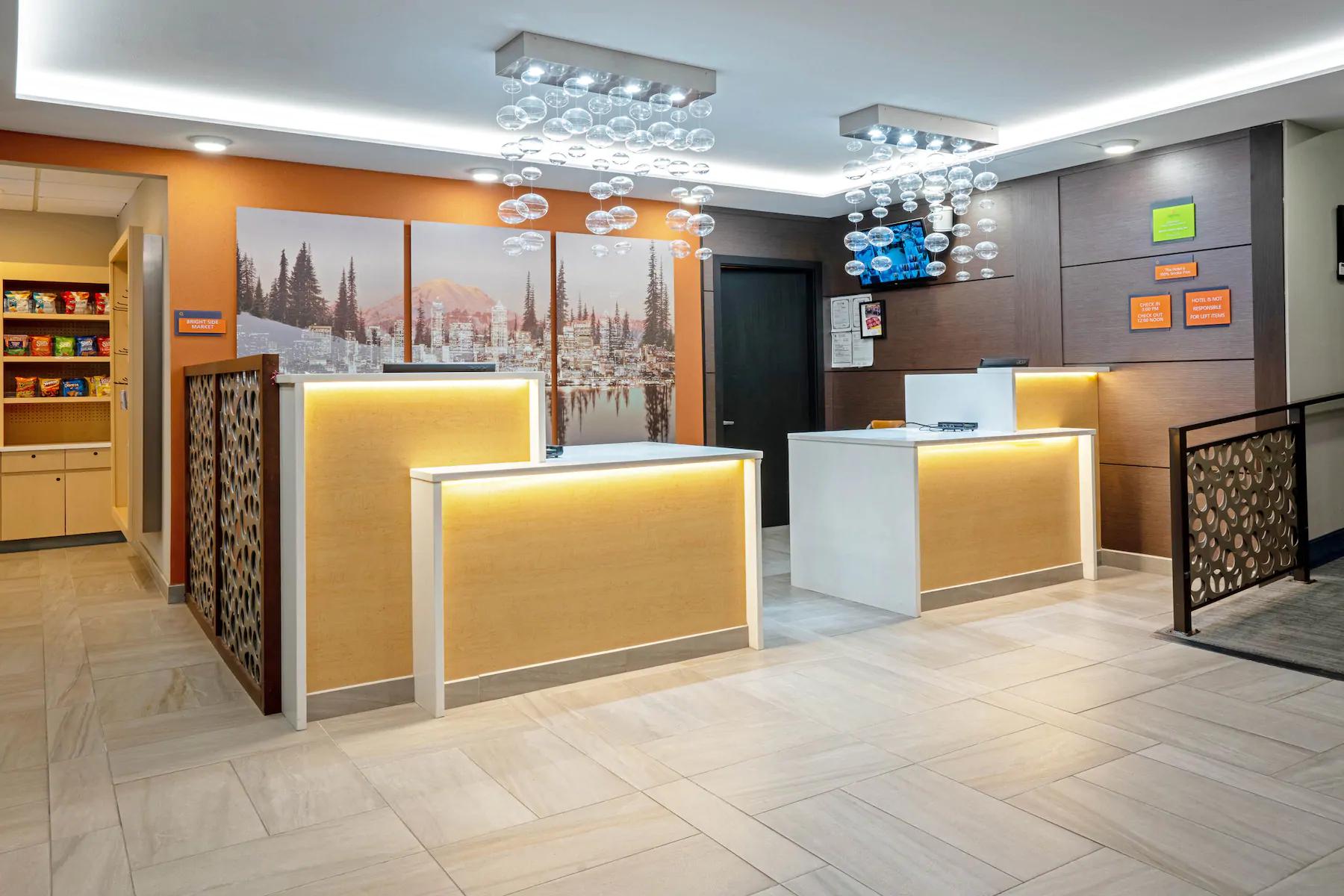 https://www.hotelsbyday.com/_data/default-hotel_image/4/23716/front-desk.png