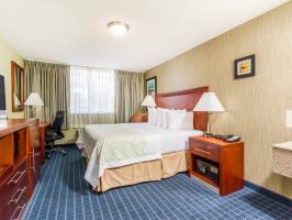 Hotel Days Inn Windsor Locks image