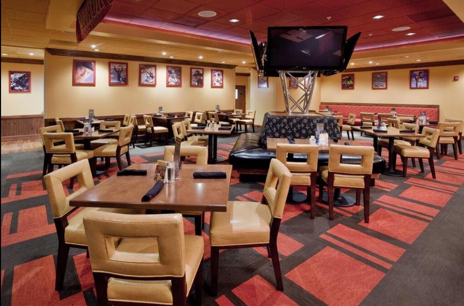 https://www.hotelsbyday.com/_data/default-hotel_image/4/24950/bar-rest-interior.jpg