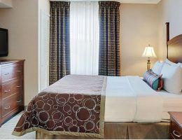 Staybridge Suites Oakville-Burlington, Oakville