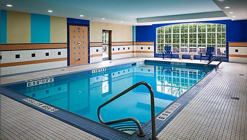 https://www.hotelsbyday.com/_data/default-hotel_image/5/26353/pool.jpg