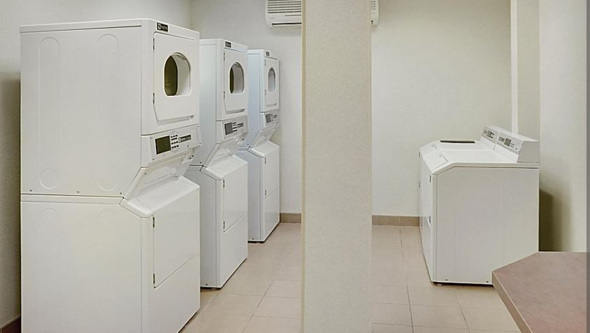 https://www.hotelsbyday.com/_data/default-hotel_image/5/26355/laundry.jpg