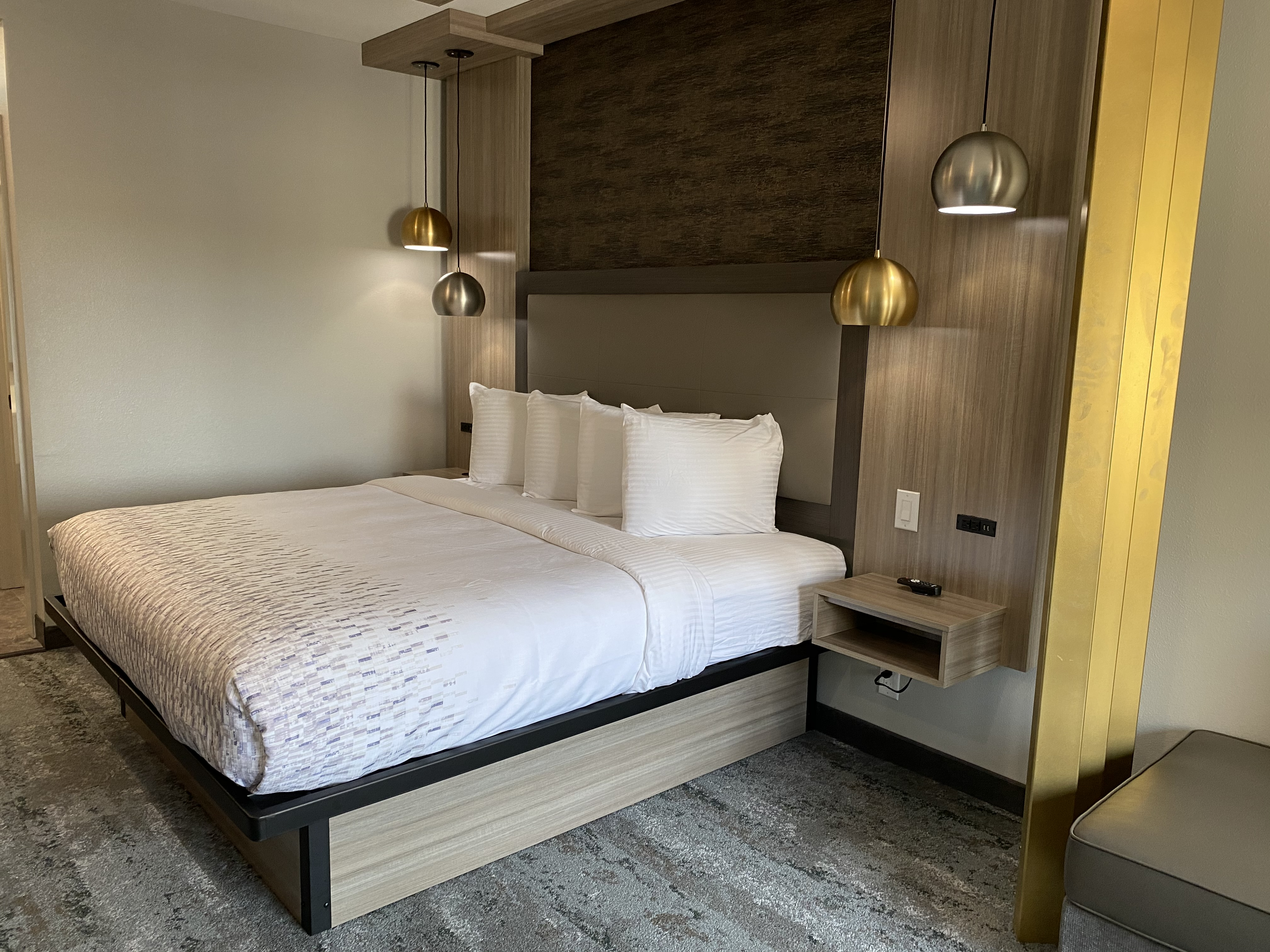 https://www.hotelsbyday.com/_data/default-hotel_image/5/26532/img-0309.jpg