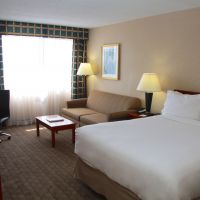 https://www.hotelsbyday.com/_data/default-hotel_image/5/26948/queen-room-sofa-bed-200x200-auto.jpeg