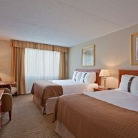 https://www.hotelsbyday.com/_data/default-hotel_image/5/26951/holiday-inn-calgary-two-queen-beds-200x200-auto.jpeg